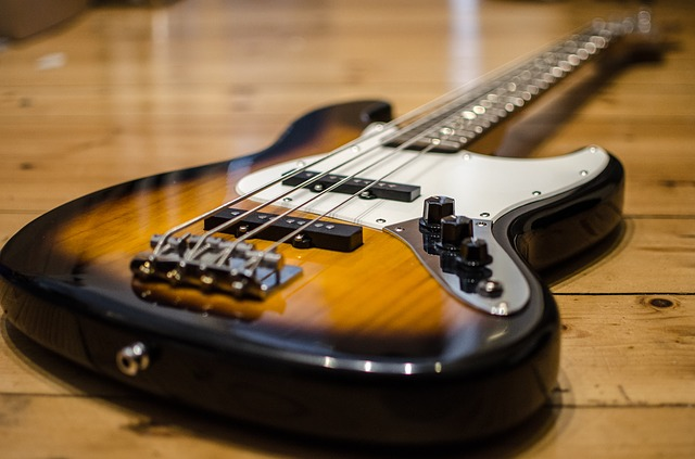 Best Electric Guitar: Buying Guide For Beginners